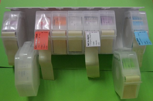 Distributeur d'étiquettes bobines 28x40 mm